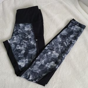 Athleta XS black gray zipup side pockets leggings